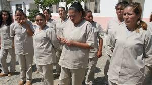 Sufren hacinamiento, trato indigno, castigos excesivos y pésima atención alimentaria y médica internas y sus hijos Foto: CNN México