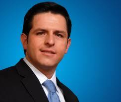 El 93 por ciento de los jóvenes no participa en ningún grupo organizado o asociación, asegura el diputado Oliveros Foto: PAN Guanajuato