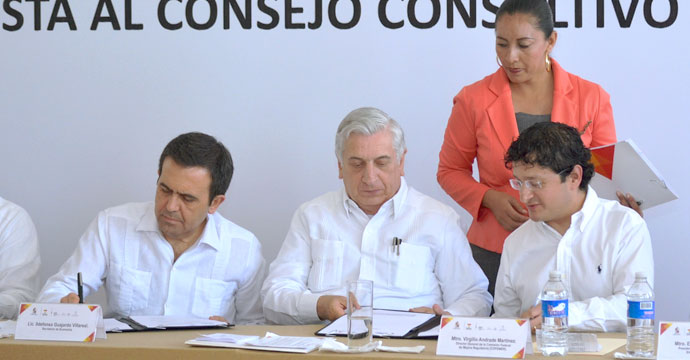 Ildefonso Guajardo Villarreal y Arturo Núñez Jiménez presidieron la instalación del Consejo Estatal de Mejora Regulatoria Foto: Secretaría de Economía