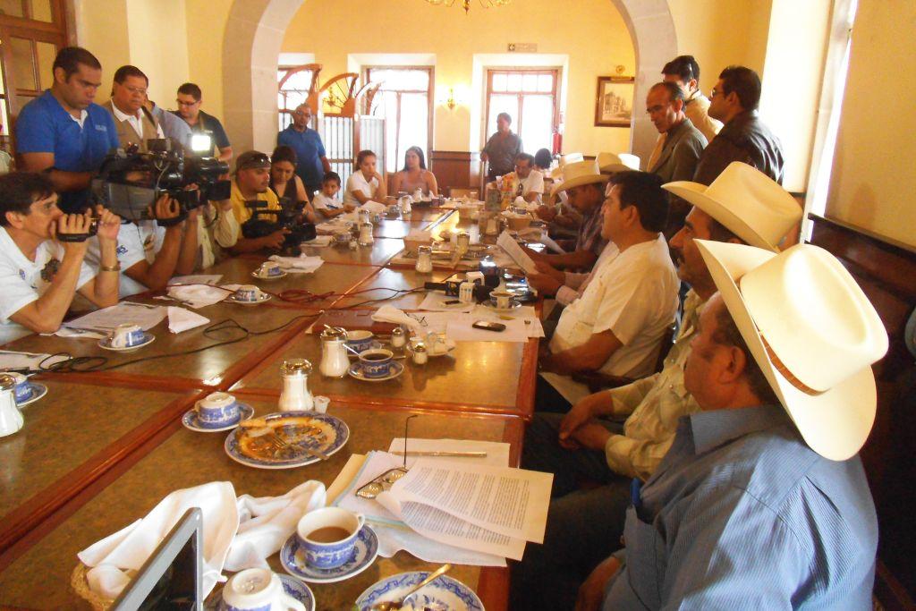 Fueron engañados por el Gobierno de Durango que se ofreció como enlace para que los atendieran en la SCT, denunciaron Foto: Difunet