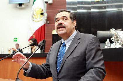 Héctor Larios Córdova Foto: Senado