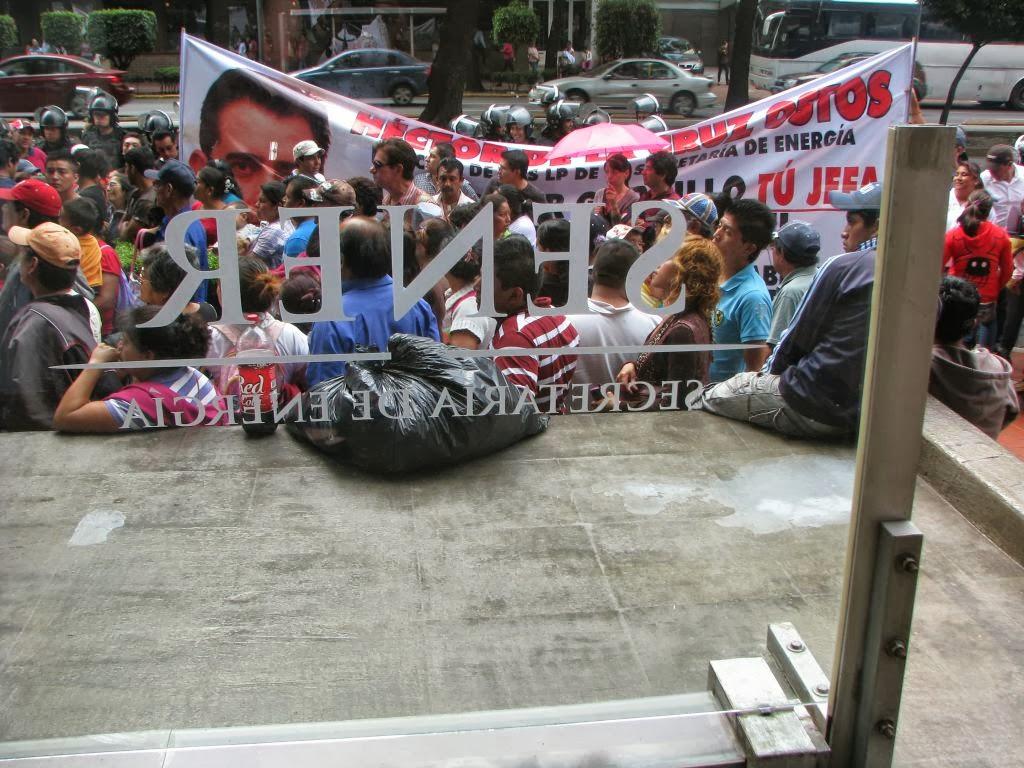 La manifestación en la SENER cumplió su cometido; el jueves se reunirán para que los empresarios presenten sus propuestas de regulación Foto: Difunet