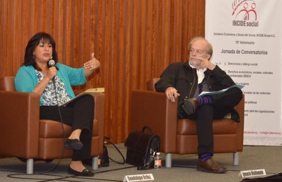 """Se realizó el """"Quinto Conversatorio: Familias y Políticas Públicas"""", organizado con motivo del Décimo Aniversario de INCIDE Social, AC. Foto: CDHDF"""