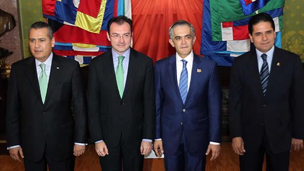 Manlio Fabio Beltrones, Luis Videgaray, Miguel Ángel Mancera y Silvano Aureoles Foto: Notimex