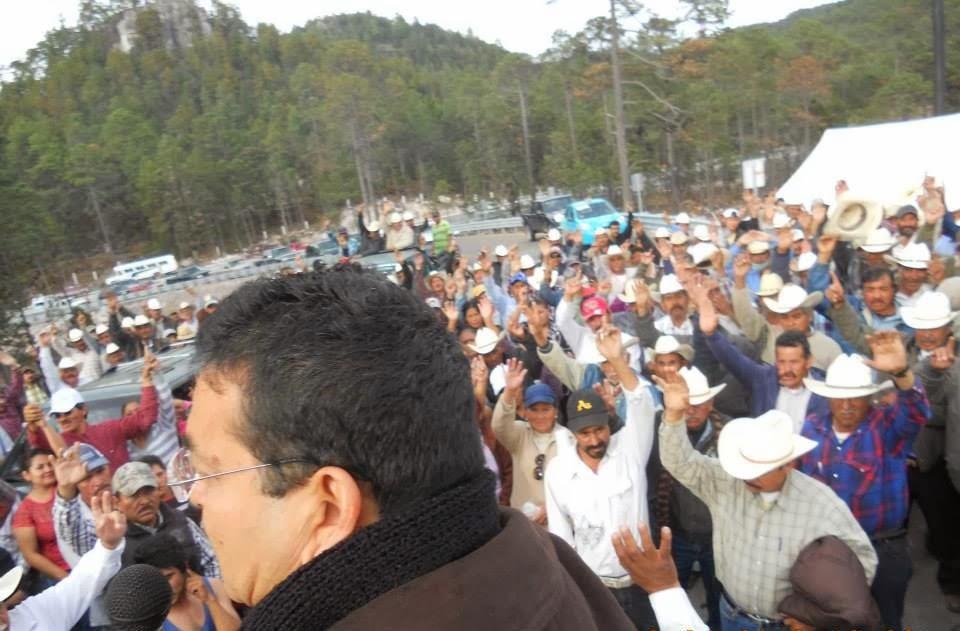 Los campesinos al momento de decicir levantar el plantón para buscar una nueva interlocución que les permita llegar a su objetivo: que les paguen Foto: Difunet